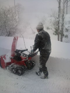 しったげ雪゛